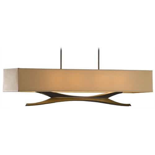 Hubbardton Forge Lighting Hubbardton Forge Lighting Moreau Dark Smoke Island Light with Rectangle Shade 137655-SKT-STND-07-SB4298