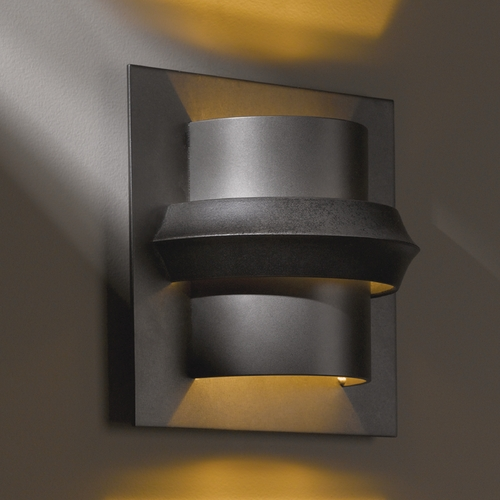 Hubbardton Forge Lighting Hubbardton Forge Lighting Twilight Dark Smoke Sconce 204915-SKT-07-BB0316