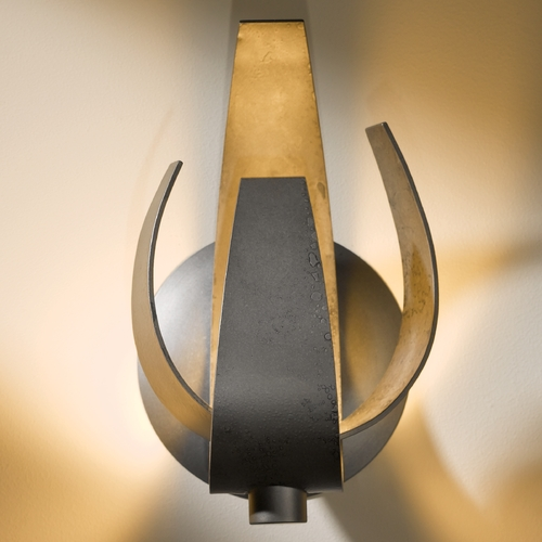 Hubbardton Forge Lighting Hubbardton Forge Lighting Corona Dark Smoke Sconce 206501-SKT-07-YE0352