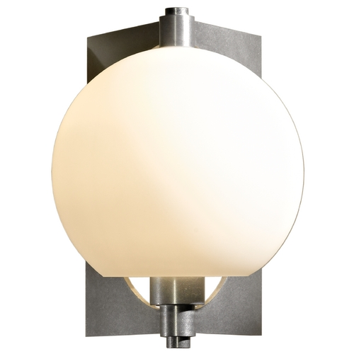 Hubbardton Forge Lighting Hubbardton Forge Lighting Pluto Vintage Platinum Sconce 206540-SKT-82-GG0384