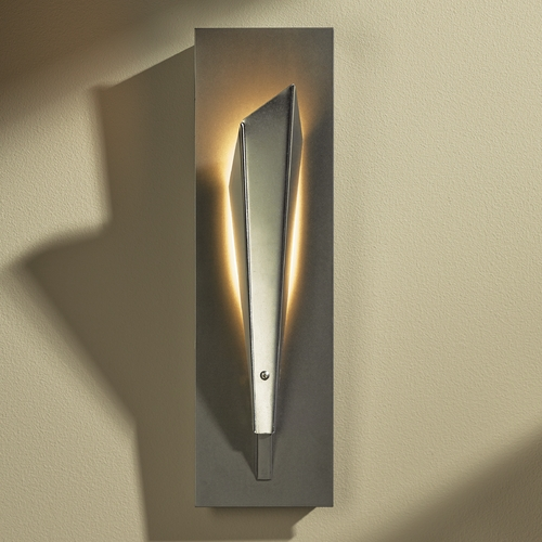 Hubbardton Forge Lighting Hubbardton Forge Lighting Quill Vintage Platinum LED Sconce 207440-LED-82