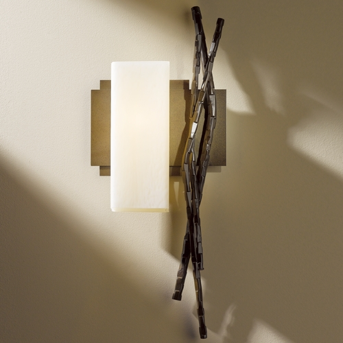 Hubbardton Forge Lighting Hubbardton Forge Lighting Brindille Bronze Sconce 207670-SKT-LFT-05-ZX0351