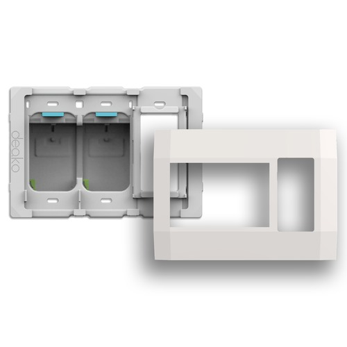 Deako Smart Lighting Deako Smart Switch Three Gang Housing Kit with Outlet on Right DB-FB3X-WHNL-UCR