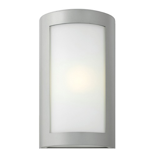 Hinkley Lighting Hinkley Lighting Solara Titanium LED Outdoor Wall Light 2024TT-LED