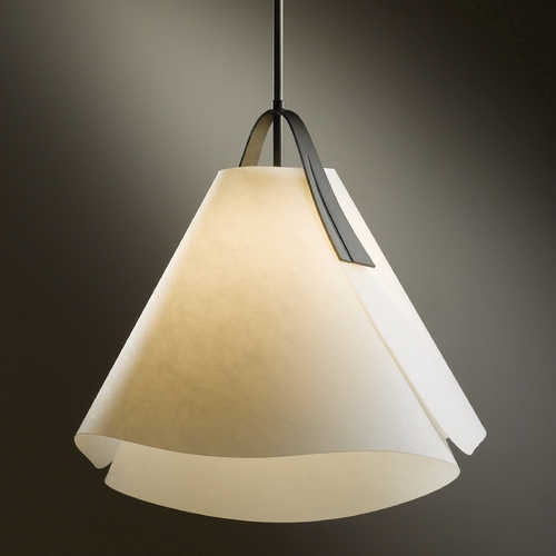 Hubbardton Forge Lighting Hubbardton Forge Lighting Mobius Dark Smoke Pendant Light 134501-SKT-STND-07-SH1992