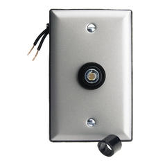 Westek Lighting Outdoor Control with Weatherproof Faceplate 758FPCLC
