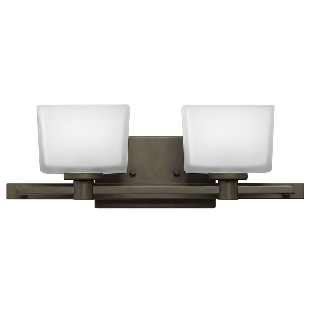 Hinkley lighting taylor buckeye bronze bathroom light for Hinkley bathroom vanity lighting